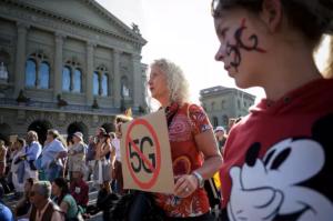 manifestation contre la 5G, devant le Parlement suisse, à Berne